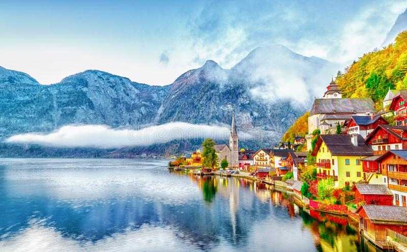 Hallstatter See on Lake Town Hallstatt in Austria Alpine mountains. High Alps parkland. Picturesque landscape. Hallstatter See on Lake Town Hallstatt in Austria stock photos