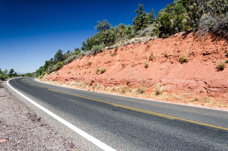 Halna autostrada w scenicznym krajobrazie zdjęcia royalty free