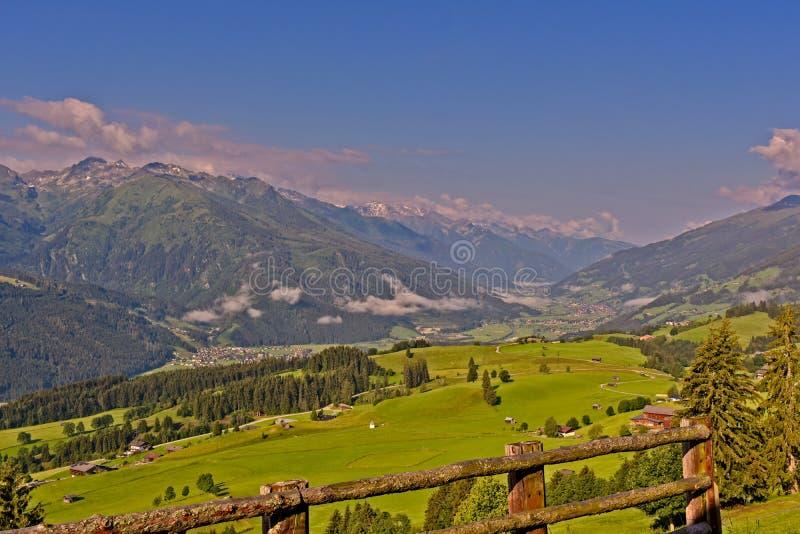 Halna panorama w Kitzbuehel Alps Wysokim Tauern i, Austria zdjęcie stock