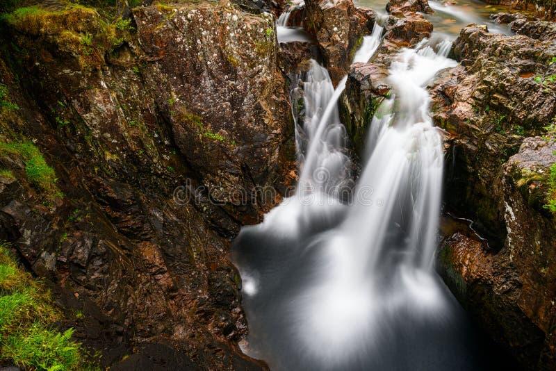 Halna siklawa od Glencoe doliny w Szkocja zdjęcie stock