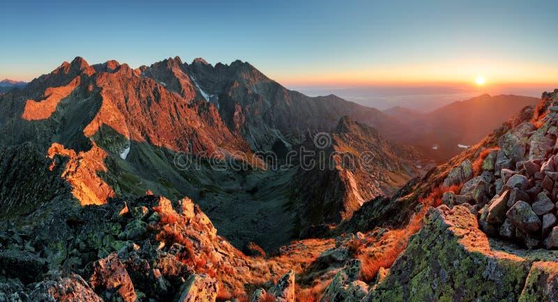 Halna zmierzch panorama od szczytu - Sistani Tatras zdjęcie royalty free