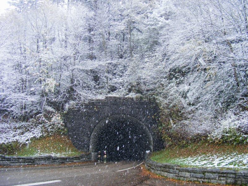 halny śnieżny tunel obrazy stock