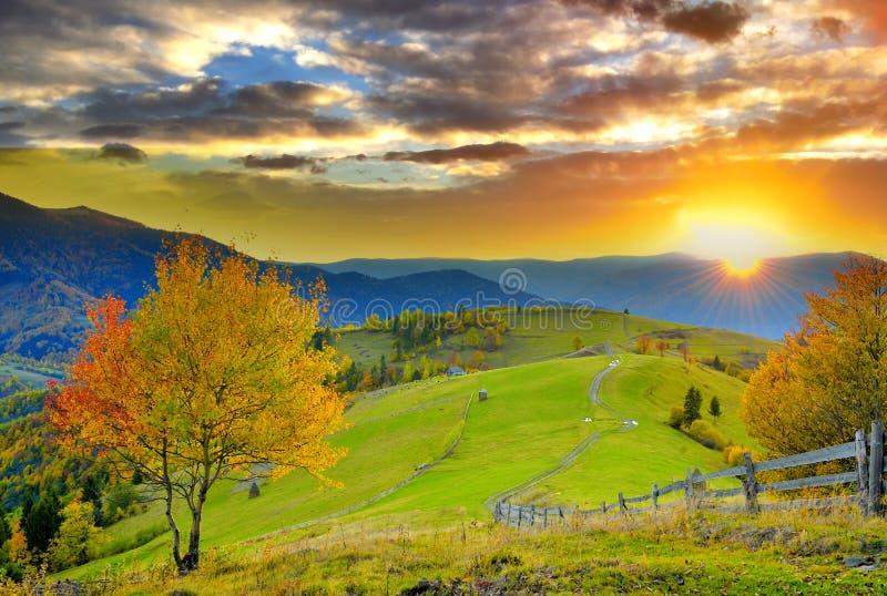 Halny jesień krajobraz obraz royalty free