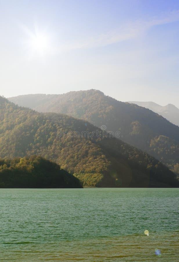 Halny jezioro zdjęcia stock