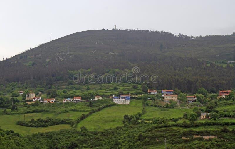 Halny Naranco i obrzeża miasto Oviedo obraz stock