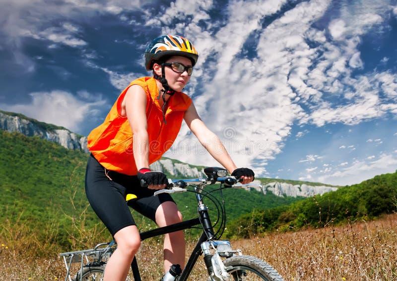 Download Halny rowerzysta obraz stock. Obraz złożonej z samiec - 53792135