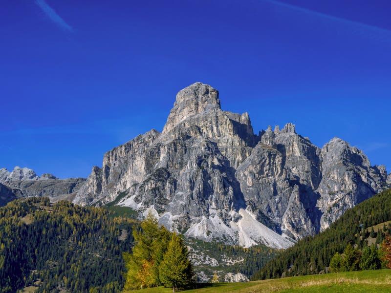 Halny Sassongher, Corvara, Południowy Tyrol, Włochy obraz stock