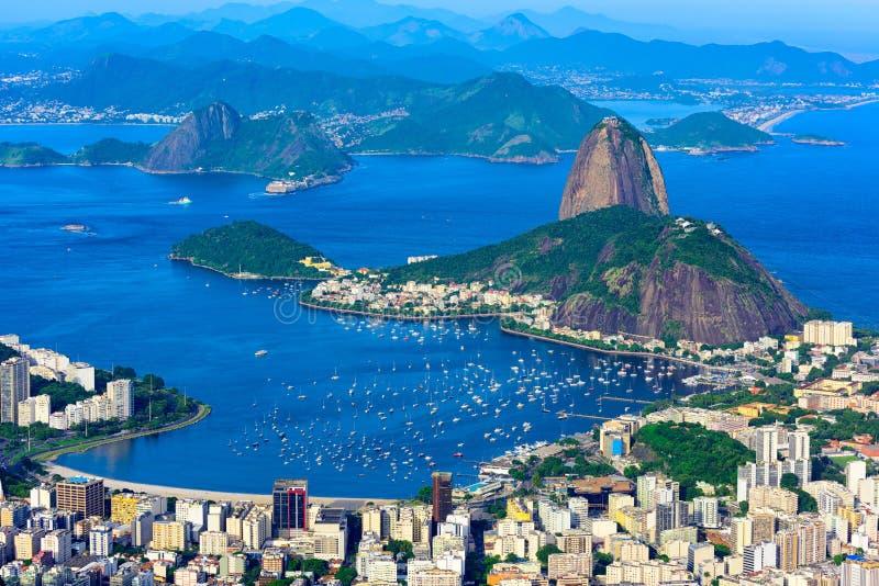 Halny Sugarloaf i Botafogo w Rio De Janeiro, Brazylia zdjęcie stock