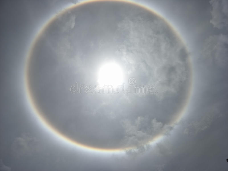 Halo de The Sun, couronne du soleil photographie stock libre de droits