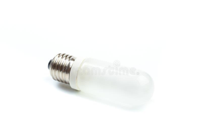 Halogenlampa p? en vit bakgrund Lampa f?r pr?lig n?rbild f?r studio - Bild royaltyfria foton