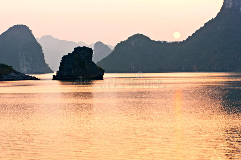 Download Halong Bay, Vietnam. Unesco World Heritage Site. Stock Image - Image: 18350893