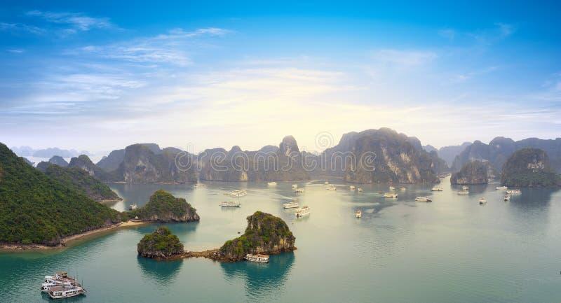 Halong-Bucht Vietnam-Panoramablick stockbilder