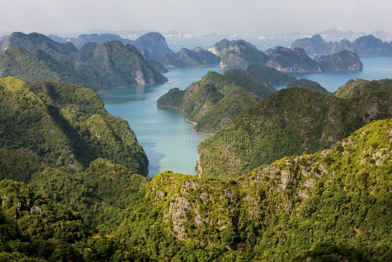 Halong zatoki archipelag zdjęcia royalty free