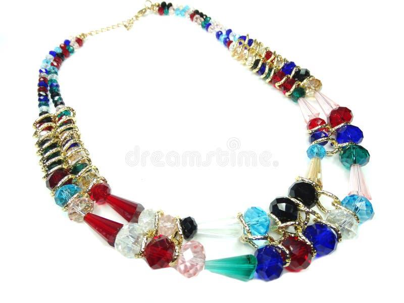 Halsband med ljusa kristallsmycken fotografering för bildbyråer