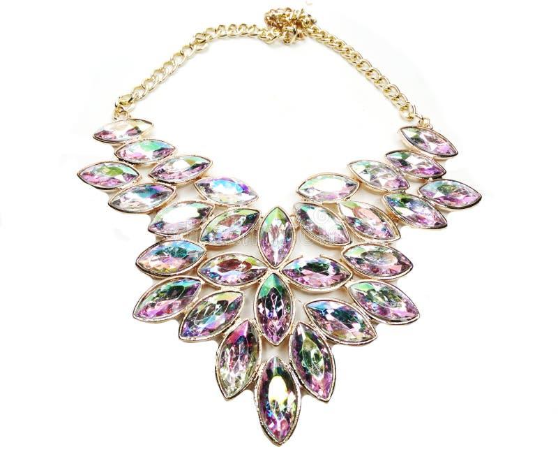 Halsband med ljusa kristallsmycken royaltyfri foto