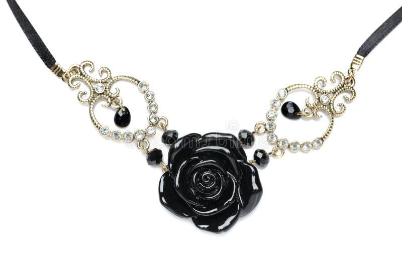 Halsband som göras av svarta stenrosor. royaltyfria bilder