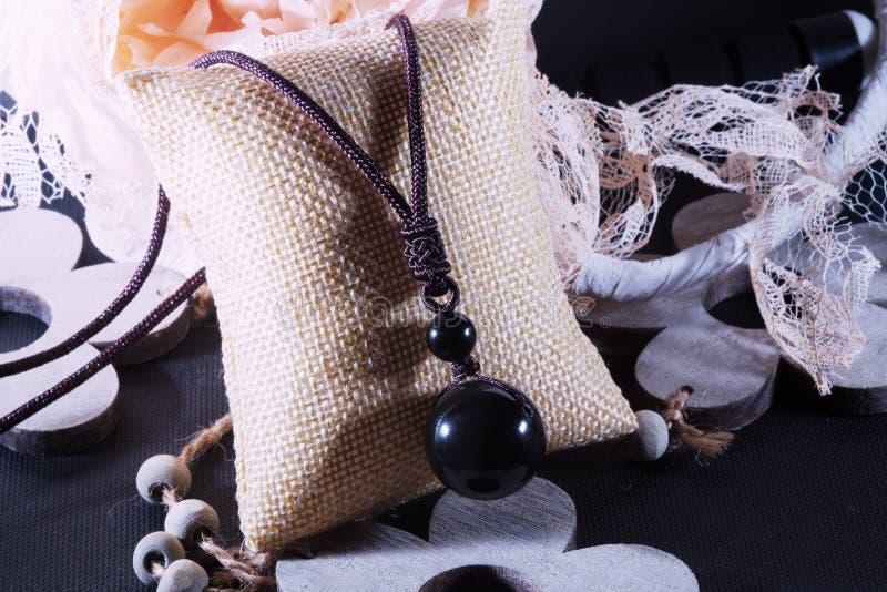 Halsband van de onyx de grote parel royalty-vrije stock fotografie