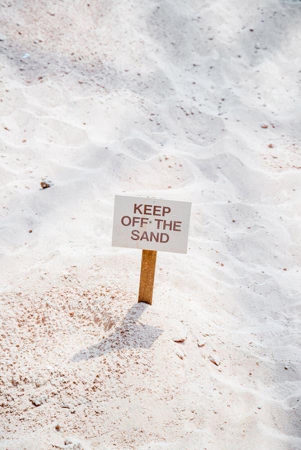 Halten Sie weg vom Sand-Zeichen stockbild