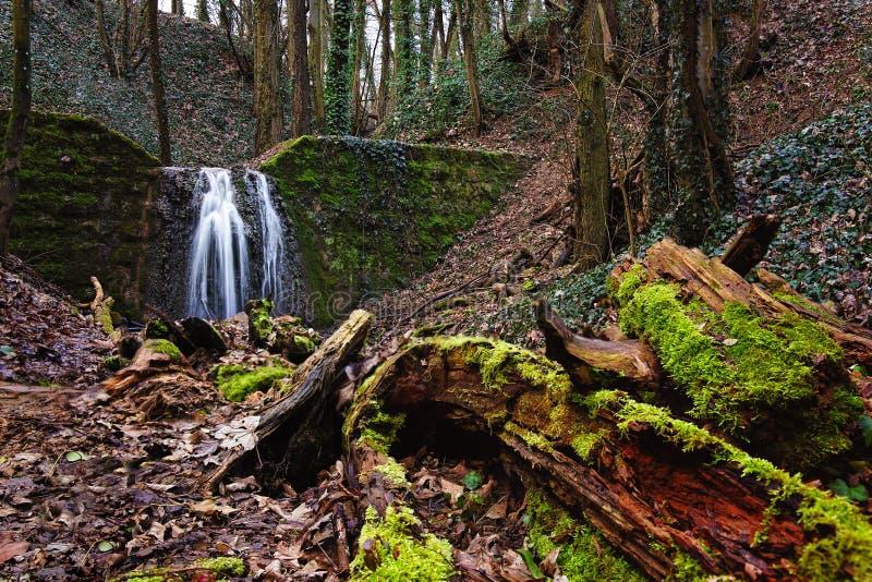 HaluzickÃ-¡ Wasserfallschlucht lizenzfreie stockbilder