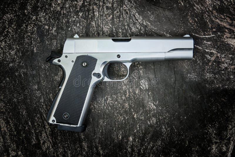 Halvautomatisk pistol M1911 arkivfoton