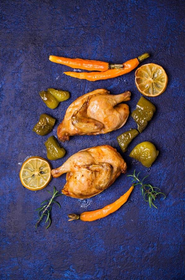 Halved coció el pollo foto de archivo libre de regalías