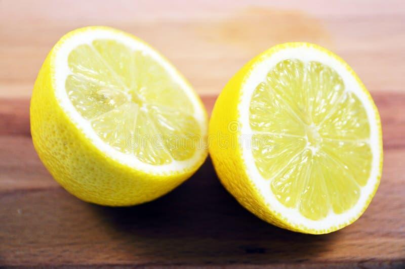 Halverad citron royaltyfria bilder