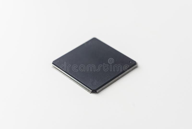 HalvledareIC chip på vit bakgrund arkivbild