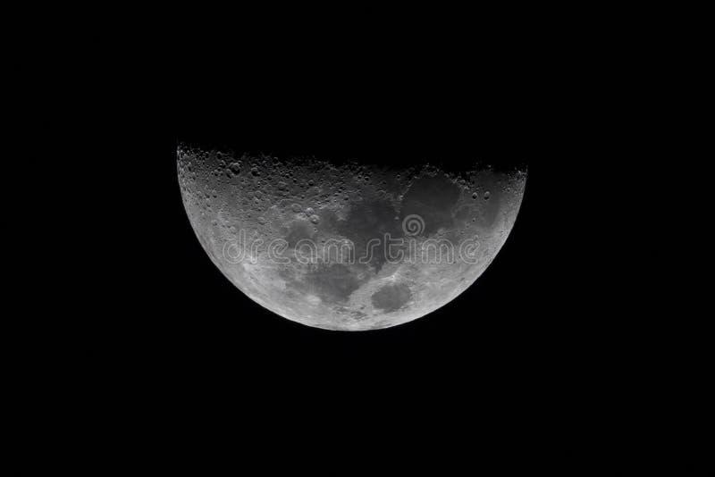 Halvmåne på himlen royaltyfri bild