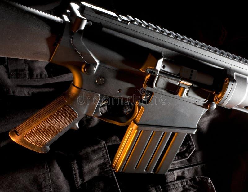 halvt automatiskt gevär royaltyfri fotografi