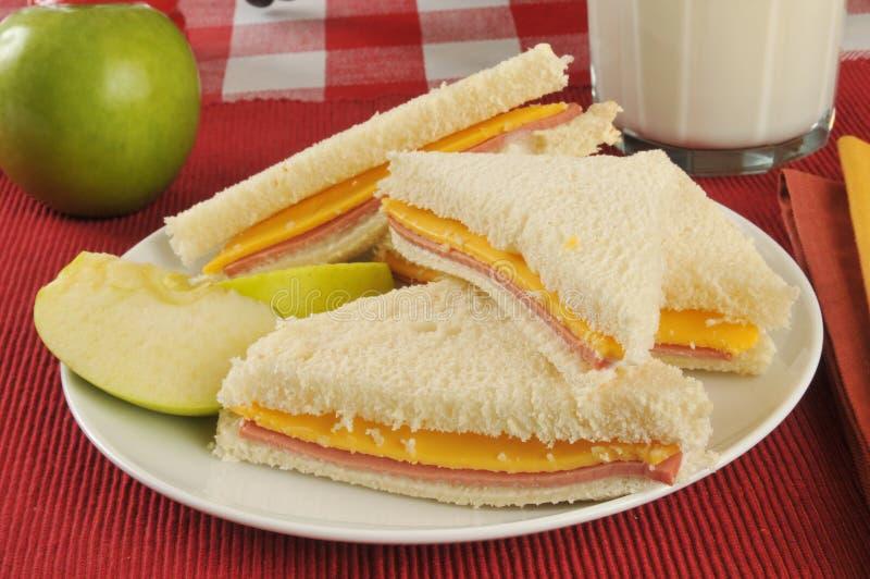Download Ham en kaassandwich stock afbeelding. Afbeelding bestaande uit lunch - 39115413
