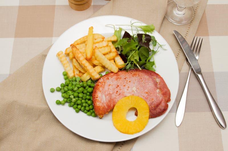 Ham-lapje vlees met een ananasring royalty-vrije stock foto