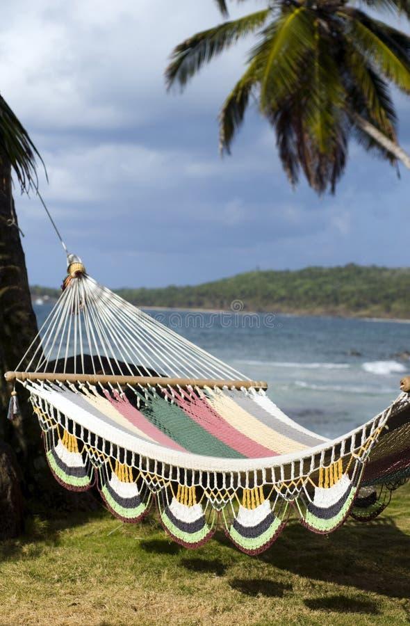 hamac des Caraïbes Nicaragua au-dessus de mer photographie stock libre de droits