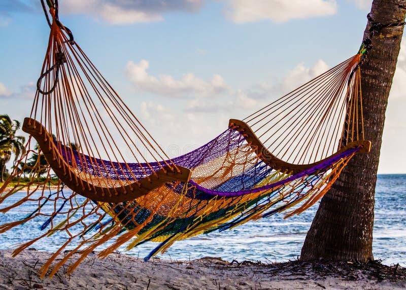 Hamaca en la playa fotografía de archivo libre de regalías