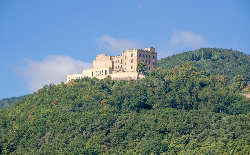 Hambach slott, tysk vinrutt, Tyskland royaltyfri fotografi