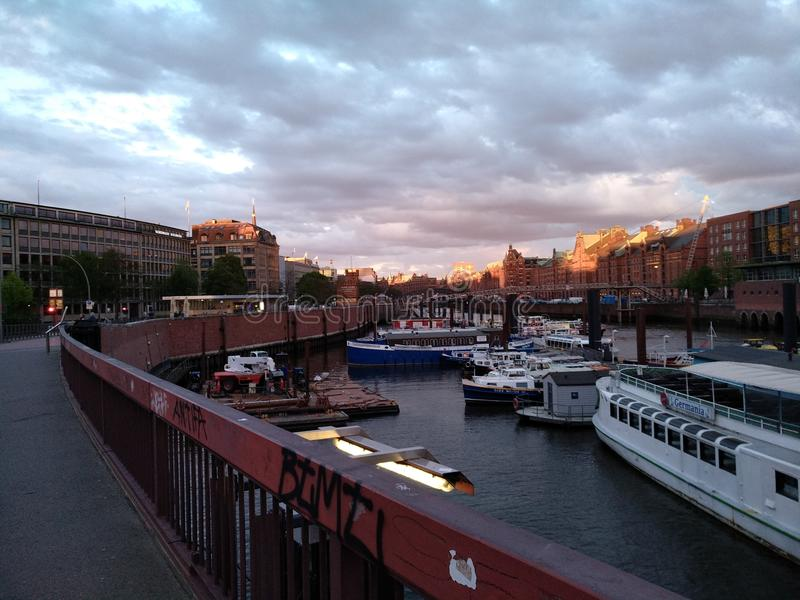 Hamburg-Damm im Hafengebiet lizenzfreies stockbild