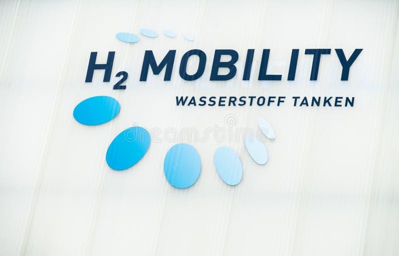 Hamburg, Deutschland - 14. Juli 2017: Diese Wasserstoffbrennstoffstation ist ein Teil der Firma-H2 Mobilität, die eine Vereinigun lizenzfreies stockbild