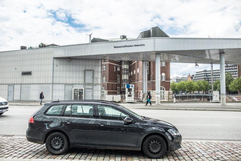 Hamburg, Deutschland - 14. Juli 2017: Diese Wasserstoffbrennstoffstation ist ein Teil der Firma-H2 Mobilität, die eine Vereinigun lizenzfreie stockfotos
