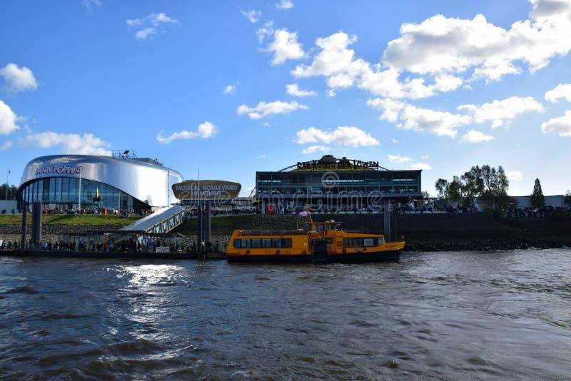 Hamburg, Duitsland - Disneys Lion King Musical royalty-vrije stock foto