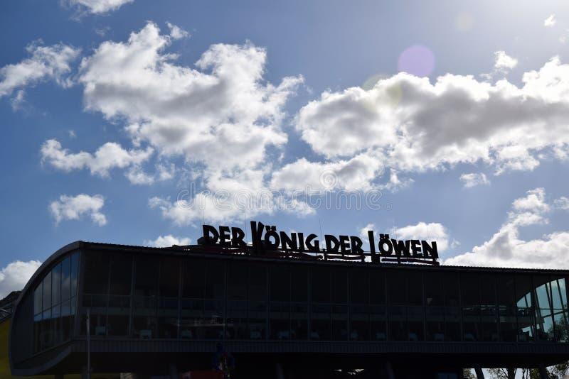 Hamburg, Duitsland - Lion King Musical van Disney? royalty-vrije stock afbeeldingen