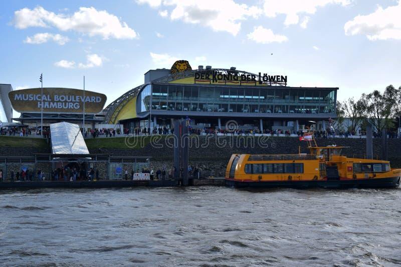 Hamburg, Duitsland - Lion King Musical van Disneyroyalty-vrije stock afbeeldingen