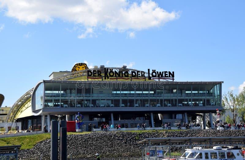 Hamburg, Duitsland - Lion King Musical van Disney? stock foto's