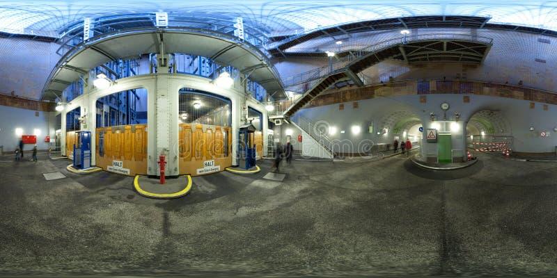 hamburg Elbetunnel sikt för 360 grad panoramagata royaltyfria foton