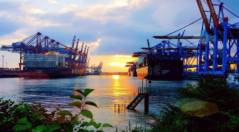 Hamburg för behållareterminal Tyskland arkivfoton