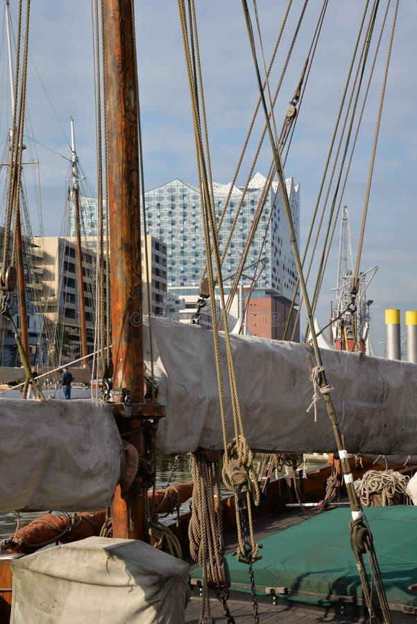 Hamburg hamn och stadsstrand, Tyskland arkivbild