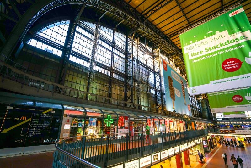 Hamburg Hauptbahnhof järnvägsstation arkivbilder