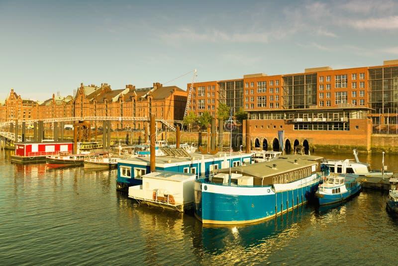 Hamburg, mening op de binnenlandse haven royalty-vrije stock fotografie