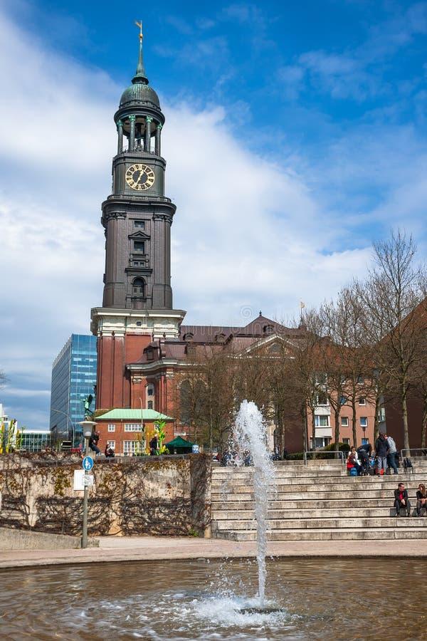 Hamburg St Michael kyrka - Hamburg viktiga gränsmärke arkivfoto