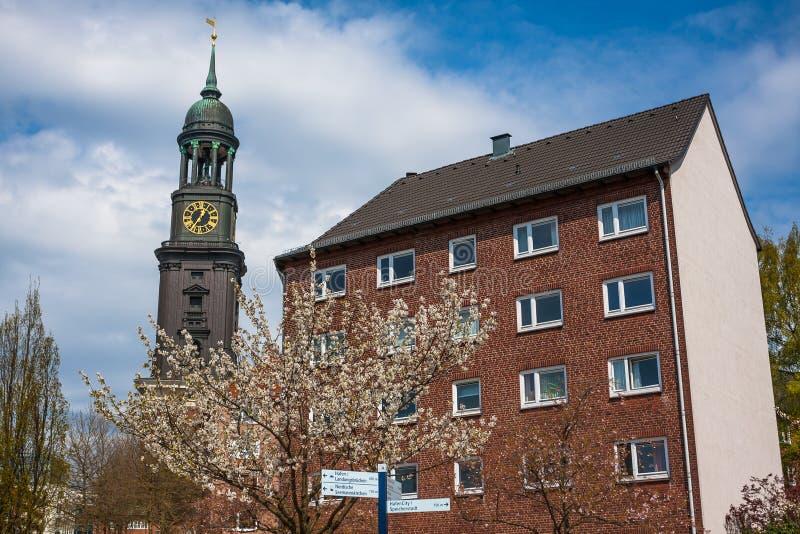 Hamburg St Michael kyrka - Hamburg viktiga gränsmärke royaltyfri bild