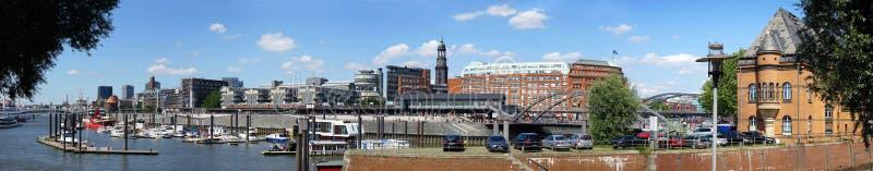 Hamburg stad Sporthafen och Elbpromenade royaltyfri foto