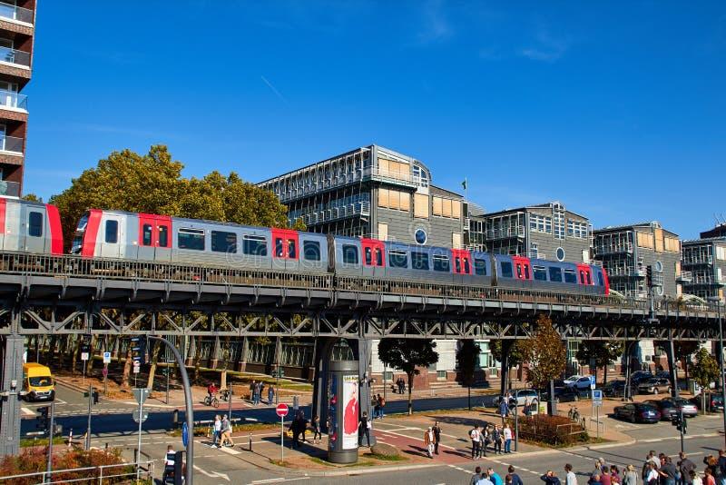 Hamburg Tyskland - oktober 5, 2018: Stadsgator av Hamburg Aut royaltyfri bild